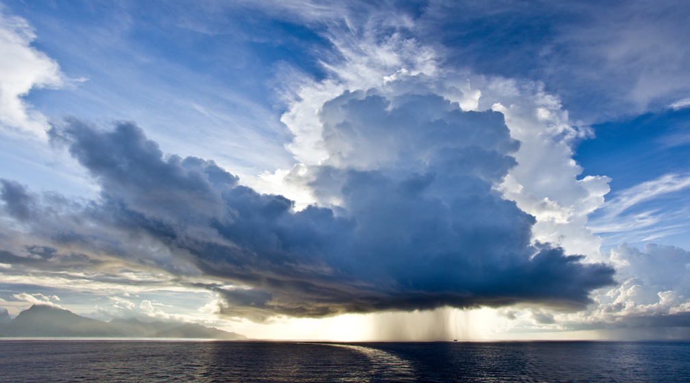 Thunderstorm in French Polynesia