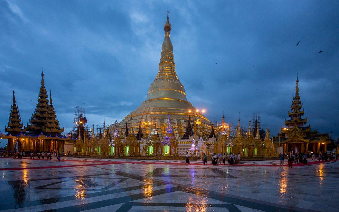 Shwedagon Pagoda, Rangoon Myanmar